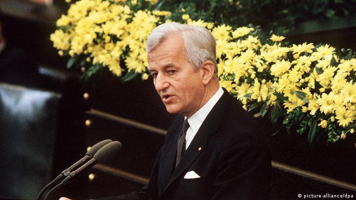 El Presidente Richard von Weizsäcker el 8 de mayo de 1985 ante el Parlamento alemán.