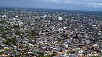 Douala Stadt in Kamerun (picture-alliance / maxppp)