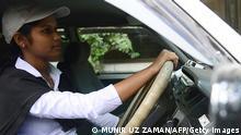 Bangladesch BRAC School Fahrerin