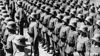Soldiers of the Reichswehr lining up ahead of a parade