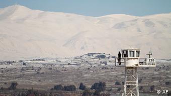 Symbolbild syrische Panzer dringen in Sperrgebiet auf Golanhöhen ein
