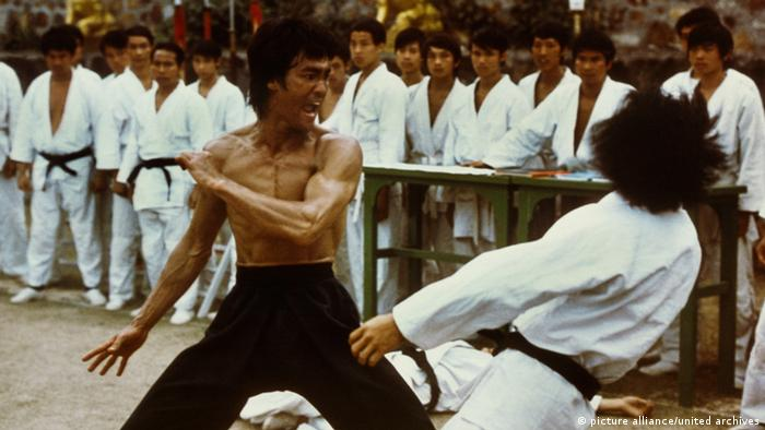 Bruce Lee in the film Enter the Dragon (Photo: picture alliance/united archives)