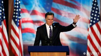 Republicanul Mitt Romney şi-a recunoscut înfrângerea