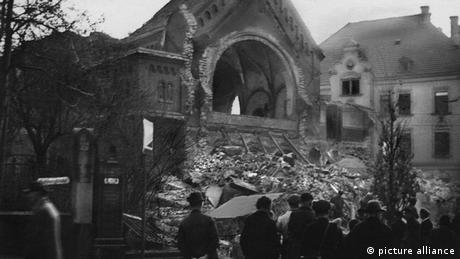Destroyed synagogue in Chemnitz (picture alliance)