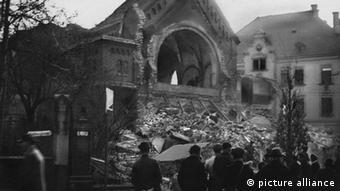Разрушенная синагога в Хемнице после хрустальной ночи