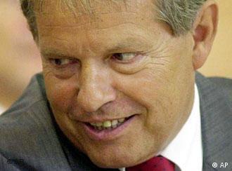 His resignation is already raising eyebrows: Klaus Volkert