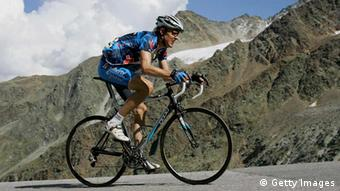 cycling in the German Alps August 18, 2005 (Photo by Sandra Behne/Bongarts/Getty Images)