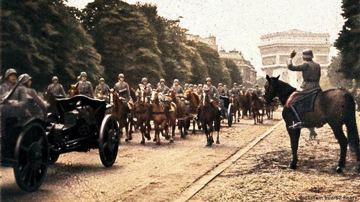 Soldados a cavalo