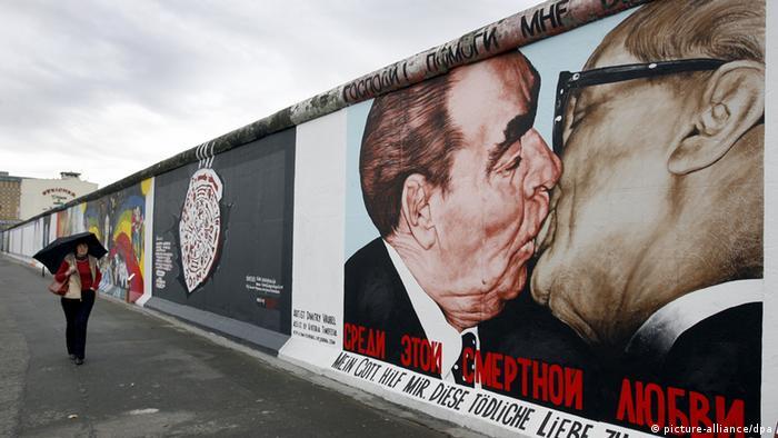 Bruderkuss Berliner Mauer