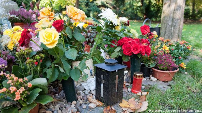Allerseelen Friedhof im Herbst (picture alliance/dpa Themendienst)