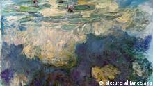 2-L13-A1-1916-50-B (1042105) 'Nymphéas' Monet, Claude; 1840-1926. 'Nymphéas' (Seerosen), 1916/19. Öl auf Leinwand, 130 x 200 cm. Privatsammlung, Courtesy Galerie Beyeler, Basel. E: 'Nymphéas' Monet, Claude; 1840-1926. 'Nymphéas' (Waterlilies), 1916-19. Oil on canvas, 130 x 200 cm. Private collection, courtesy of the Beyeler gallery, Basel. F: 'Nymphéas' Monet, Claude ; 1840-1926. - 'Nymphéas', 1916-19. Huile sur toile, H. 1,30 ; L. 2,00. Coll. privée, Courtesy Galerie Bey eler, Bâle.