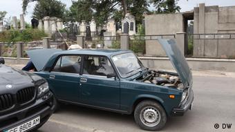 На українських дорогах - багато авто радянського і російського виробництва