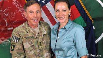 David Petraeus Paula Broadwell Ex CIA Chef General Kommandeur