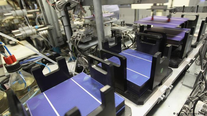 Photovoltaic cells being produced by Aleo in Pritzwalk, Germany. (Photo: Sean Gallup/Getty Images)