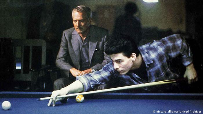 Paul Newman and Tom Cruise play pool in 'The Color of Money' (picture alliance/United Archives)