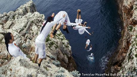 Red Bul Cliff Search - Orlando Duque