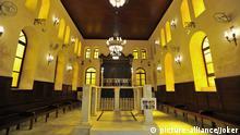 Maimonides Synagoge im ehemaligen jüdischen Viertel Haret al-Yahoud von Kairo. Hier: Das Innere der frisch restaurierten Synagoge mit Bimah und Thoraschrein. Kairo, Ägypten, 21.03.2010 +++picture alliance / JOKER