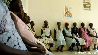 Dozens of pregnant Sudanese refugees wait to receive prenatal care (Photo: Natalie Behring-Chisholm)