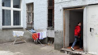 Sinto Roma Berlin Wohnung Haus Innenhof Wohnprojekt Emigrant Flüchtling