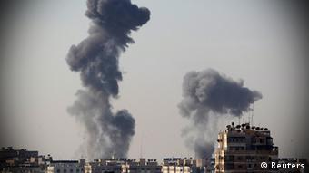 Smoke rises after an Israeli air strike in Gaza City November 15, 2012. (Photo: Reuters)