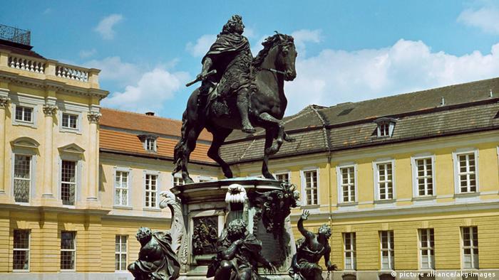 Reiterstandbild von Kurfürst Friedrich Wilhelm von Brandenburg vor dem Charlottenburger Schloss