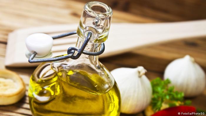 Speiseöl Olivenöl Symbolbild