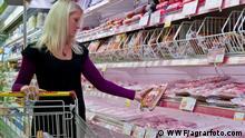 Fleisch einkaufen; Copyright: WWF/agrarfoto.com***via Martin Koch