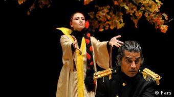 صحنهای از اجرای تئاتر مکبث در ایران