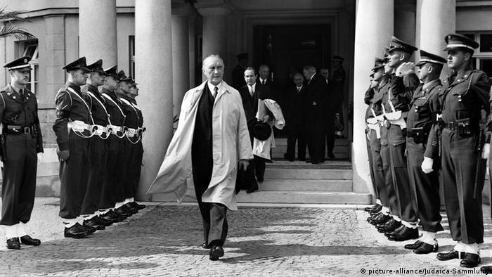 Конрад Аденауэр, 1949 год