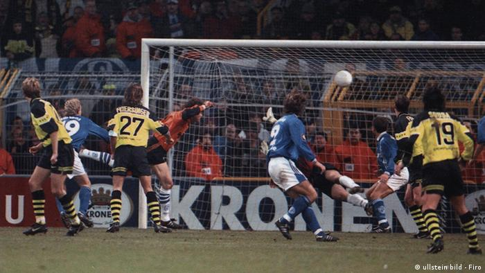 Jens Lehmann scores with a header in 1997