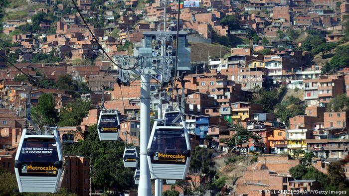 Kolumbien - Seilbahn in Medellin