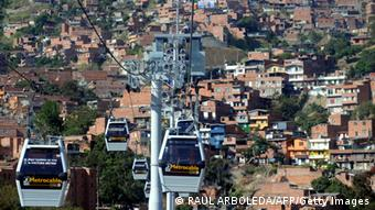 Cable cars over Medellin (Photo: Raul Arboleda)