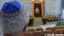 Jahrzehntelang diente die Synagoge auch der Familie Samson/Herzfeld als Anlaufstelle. Im Bild mit Kipa ist Miriams Sohn Ronny Herzfeld.