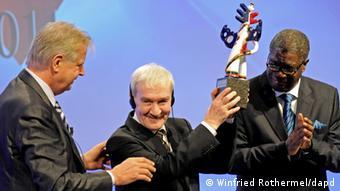 Станислав Петров на церемонии вручения ему Премии немецких СМИ