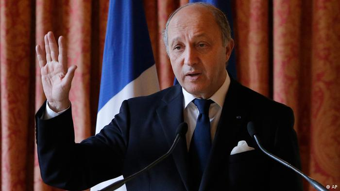 FILE- in this Oct. 11, 2012 file picture, France's Foreign Minister Laurent Fabius speaks at a press conference at French Foreign Ministry in Paris. Fabius told Europe-1 radio Sunday, Oct. 21, 2012, it's likely that Syrian President Bashar Assad's government had a hand in the assassination of Lebanon's intelligence chief Brig. Gen. Wissam Al-Hassan in a Beirut bombing. Fabius told that while it wasn't fully clear who was behind the attack that killed al-Hassan and seven others, it was probable that Syria played a role in the blast. (Foto:Francois Mori, File/AP/dapd)