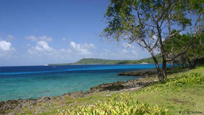San Andrés, y el municipio de Providencia y Santa Catalina Islas forman el único departamento insular de Colombia, al que pertenecen también unos 14 islotes y cayos ubicados al occidente de las Antillas.