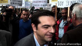 Ο Αλ. Τσίπρας σε διαδήλωση το 2012