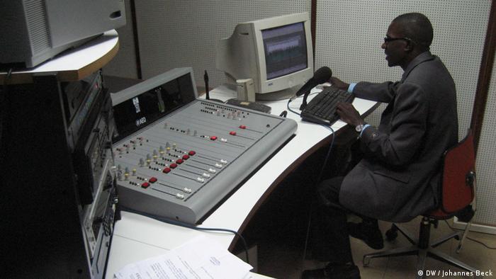 Estúdio da Rádio Ecclesia, em Luanda