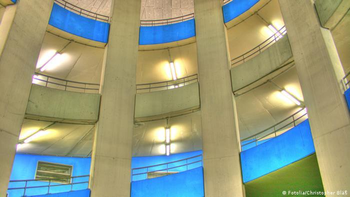 Deutschland Stadt Magdeburg Architektur Parkhaus