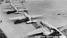 Jahrestag, Gedenken an legendäre Luftbrücke vor 60 Jahren