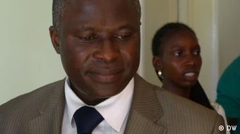 Lassana Ntchassó, o médico que coordena o trabalho da ONG alemã Hilfsaktion Noma e.V. na Guiné-Bissau