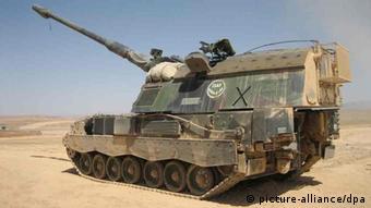 Panzerhaubitze 2000 der niederländischen Armee im Einsatz in Afghanistan. (Foto: dpa)