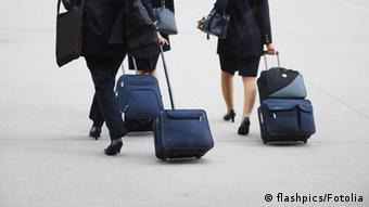 Flugbegleiter Crew Koffer Frauen