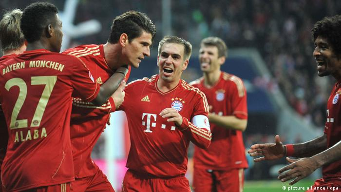 Bayern Munich players celebrate a goal against hannover on November 24, 2012.
