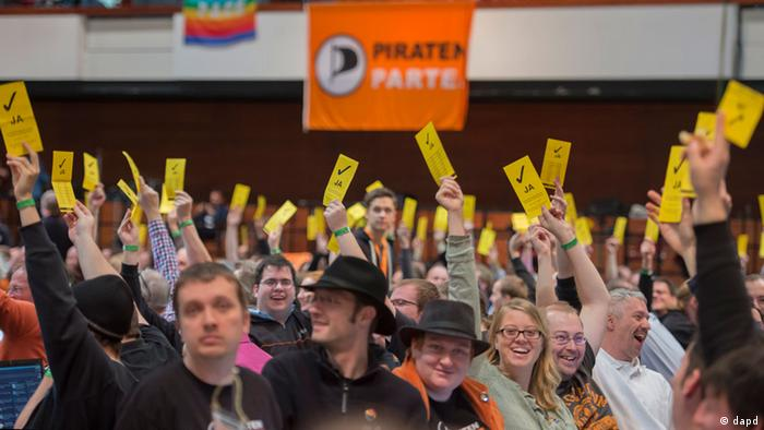 Pirates voting in Bochum (zu dapd-Text) Foto: Clemens Bilan/dapd