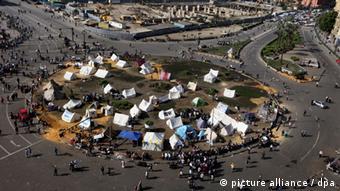Protestos continuam em várias cidades (na foto, a capital, Cairo)