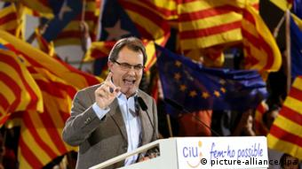 Spanien Katalonien Parlamentswahlen CiU Artur Mas ARCHIVBILD