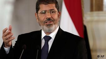 Depois de reforçar os seus poderes, Morsi garantiu: o Egito está no caminho da liberdade e da democracia