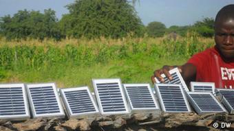 Photovoltaik Solarpanel Dorf Wildnis