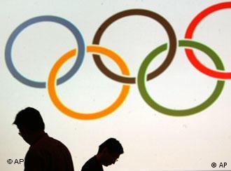 奥运期间接受采访就不用遮遮掩掩了?